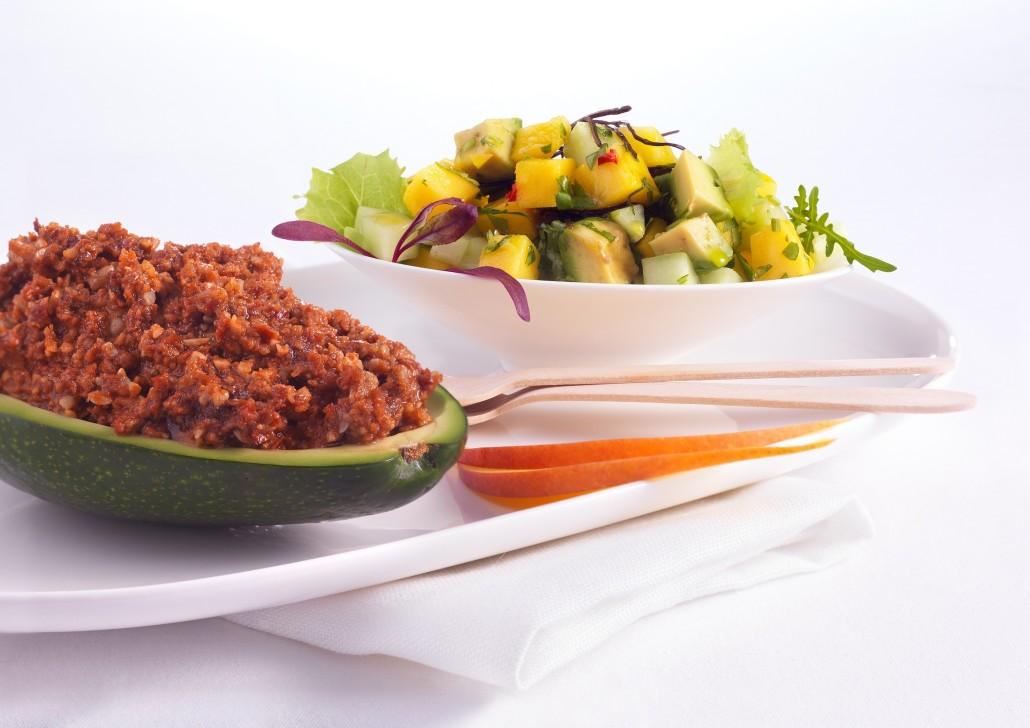 Avocado-Mango-Salat und Sonnenblumenchili 015
