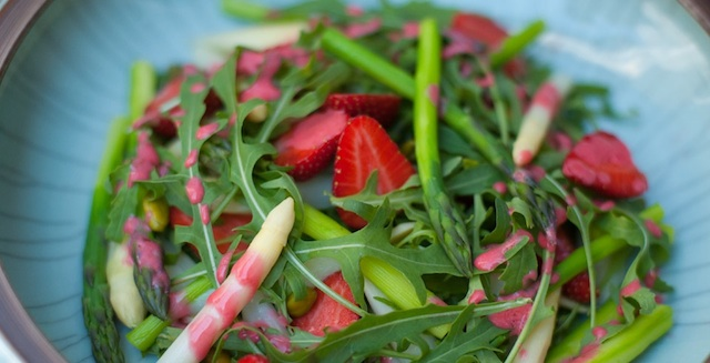 Detox Delight_Spargelsalat mit Erdbeere