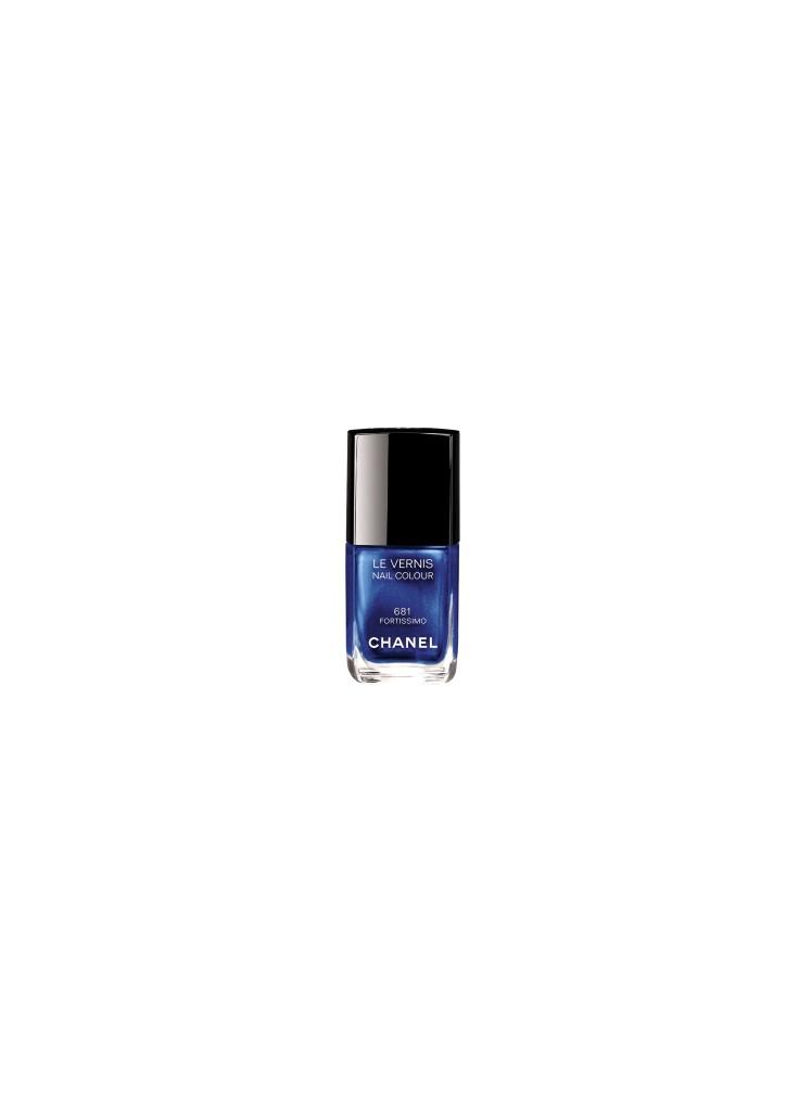 """Nachtblau ist das neue Rouge Noir: """"Fortissimo""""."""